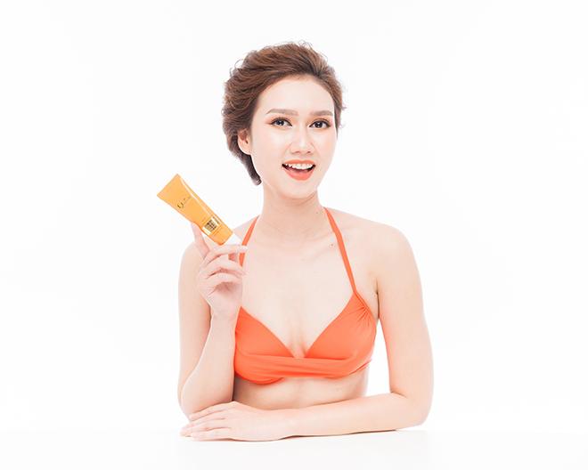 Kem chống nắng dưỡng da Hàn Quốc Queenie - Người mẫu Hương Giang 2