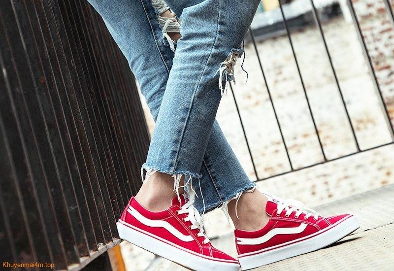 Điểm danh những loại giày vừa gây hôi chân vừa hại sức khỏe