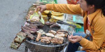 Ăn gì ở đường phố Luang Prabang?