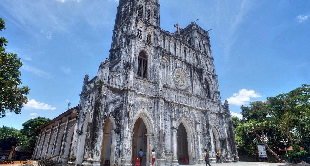 Khám phá nhà thờ cổ trăm tuổi ở Phú Yên