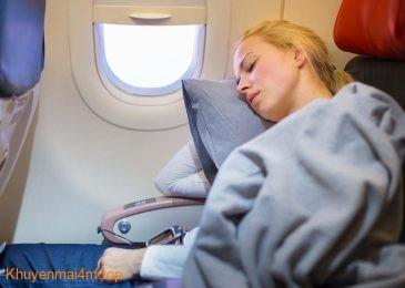 Làm sao để có thể ngủ ngon lành khi đi máy bay?