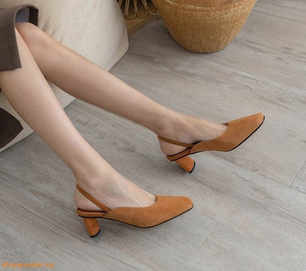 """4 mẫu giày """"hack dáng, tôn chân"""" cho nàng công sở"""