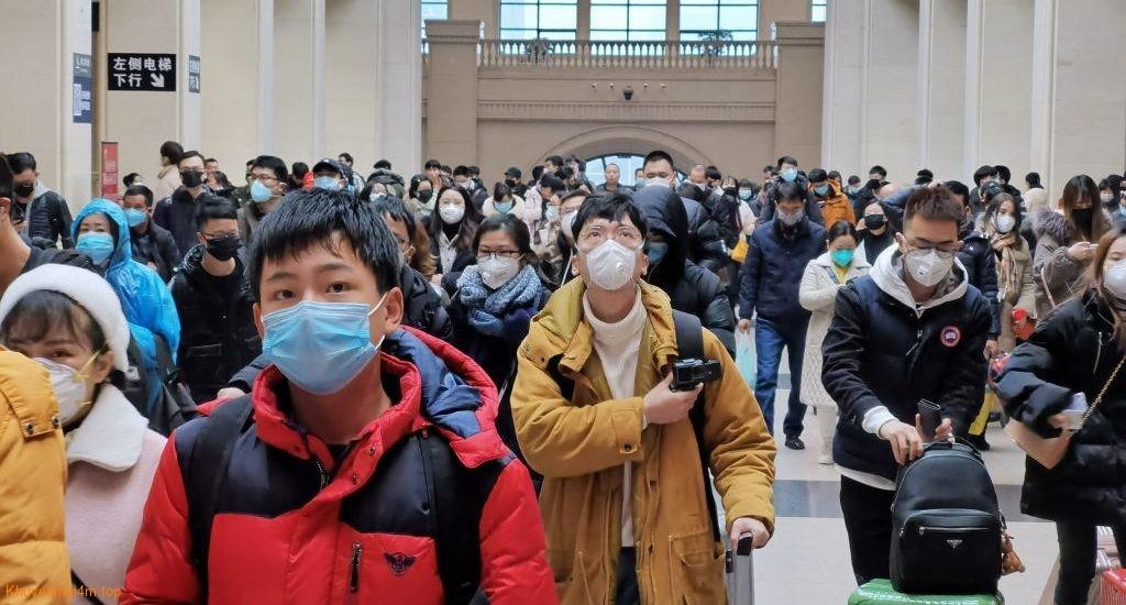 Tại sân bay cần làm gì để tránh lây  virus corona